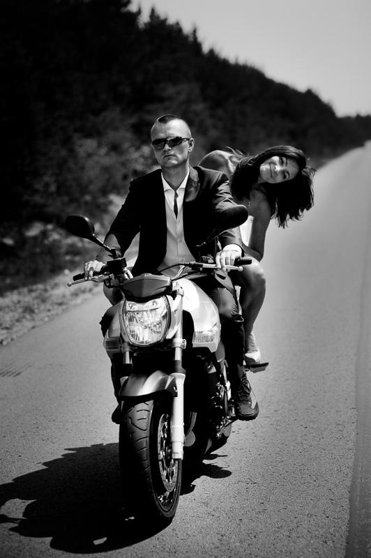 sesja ślubna na motocyklu
